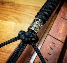 Best 11 Round Charm Paracord bracelet with Exclusive Brass bead Macrame Bracelet Patterns, Diy Friendship Bracelets Patterns, Diy Bracelets Easy, Bracelet Crafts, Braided Bracelets, Bracelets For Men, Paracord Braids, Paracord Knots, Paracord Bracelets
