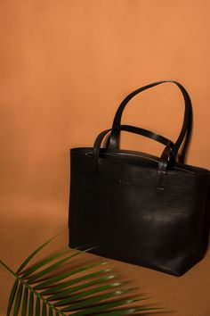 Black Vegetable-tanned Leather Workk Bag