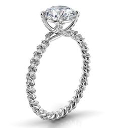A braided diamond band with a vintage, yet contemporary feel // Eleganza from Danhov