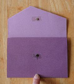 Kuvertkort med tutorial | Kristinas Scrapbooking Blogg Card Wallet, Cardmaking, Rhinestones, Gifts, Scrapbooking, Gift Cards, Envelopes, Albums, Tutorials