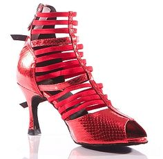 RELLE - New funky design with a bundle of elastic straps hugging your foot for great support. Latin Dance Shoes, Dancing Shoes, Funky Design, Shoes Online, Cleats, Fashion Shoes, Heels, Football Boots, Heel