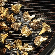 How to Grill Maitake Mushrooms, a.k.a. Hen of the Woods http://www.bonappetit.com/blogsandforums/blogs/badaily/2013/06/grilled-maitake-mushrooms.html