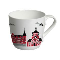 The charming Mitt Stockholm mug is designed by Emelie Ek and is made of fine bone china. The mug has a lovely pattern in red with famous buildings from the Swedish capital Stockholm. Use the mug for tea or coffee and combine it together with other fine products designed by Emelie Ek!