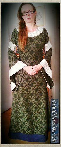 """Racaire says: ...wearing my new green 12th century """"pull-over"""" dress :D http://embroidery.racaire.at Very nice fabric from a very clever lady."""