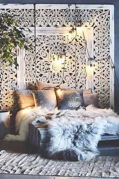 Boho bedroom furs Gawd, do I ever love this lush, bohemian chic bedroom! The won - burcu kaya - - Boho bedroom furs Gawd, do I ever love this lush, bohemian chic bedroom! The won - burcu kaya Interior, Home Bedroom, Dream Bedroom, European Home Decor, Room Inspiration, House Interior, Chic Bedroom, Bedroom Decor, Boho Bedroom Decor