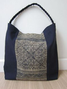 Navy blue Hmong cotton bag - CHOZIDesign #bohototebagpattern