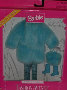 1999 BARBIE FASHION AVENUE COAT COLLECTION EXCLUSIVE EDITION SKY BLUE COAT!!