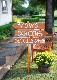 Rustic wedding signage. Photo by Sarah Kate, Photographer. #wedding #rustic #sign #wooden