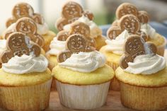 Lemon Cupcakes with a Ginger Cream Cheese Frosting » That's So Michelle
