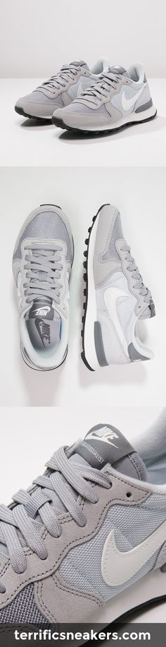 Sneakers White Dress Shoes Outlet 56 Ideas For 2019 Sneakers Street Style, New Sneakers, Girls Sneakers, Sneakers Nike, Sneakers Fashion Outfits, Fashion Shoes, White Dress Shoes, Nike Free Shoes, Nike Shoes