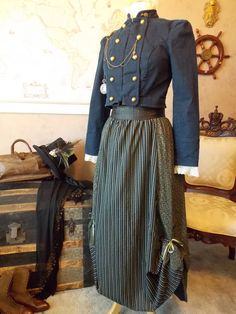 Navy Blue Steampunk Victorian 3 Piece Outfit by theravenandrose Steampunk Costume, Steampunk Clothing, Steampunk Fashion, Edwardian Dress, Edwardian Fashion, Everyday Steampunk, Hollow Earth, Steampunk Clock, Sweeney Todd