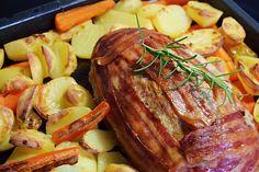 Farsbrød er en af de retter jeg holder virkelig meget af at lave. Mulighederne for at variere en forholdsvis enkel ret er utallige. Farsbrød er et kæmpe hit herhjemme – Det har været én af mine pigers yndlingsretter siden de var små. Spørger jeg efter forslag til aftensmaden, er jeg næsten sikker på at farsbrød ... Læs mere Farsbrød – alt i ét fad Forslag, Carne, Steak, Pork, Food And Drink, Yummy Food, Snacks, Recipes, Kale Stir Fry