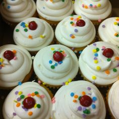 Cupcakes,cupcakes,cupcakes!!!