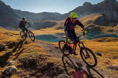 """Bald ist es wieder soweit!  #MTBswitzerland via @graubuendenbike: """"'Trail Tales' with @ride_mag and @filmevondraussen goes on. Looking forward to share new episodes. In the meantime a shot of the tour Piz Umbrail."""" #mtb #pinkbikepod"""