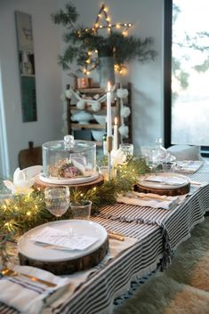 French Christmas, Christmas Makes, Cozy Christmas, Christmas Holidays, Christmas 2017, Xmas, Christmas Tablescapes, Christmas Table Decorations, Elegant Dinner Party