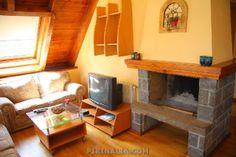 Acogedor apartamento duplex en Viella para 7 personas. A sólo 14 kilómetros de las pistas de esquí de Baqueira. www.pirinalia.com