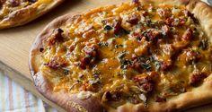 Pizza με λουκάνικα