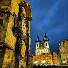die #astronomischeUhr aus anderer Perspektive #prague #praha #Prag #architecture