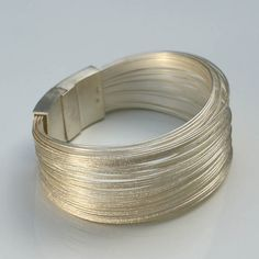 iguais as que vi na turquia queria uma lindas de mais fios de pratas feitos a mao