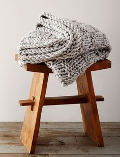 There's nothing better than curling up with a big chunky blanket. There's nothing better than curling up with a big chunky blanket. Make an Extra Chunky Gratitude Blanket and keep it close by all winter long. Knitted Throw Patterns, Knitted Afghans, Knitted Baby Blankets, Afghan Patterns, Knitted Blankets, Knitting Patterns Free, Free Pattern, Stitch Patterns, Crochet Patterns
