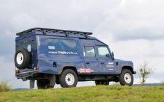 Land Rover Defender Satbir, made by Dajbych
