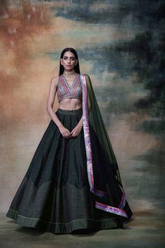 Pink Lehenga Skirt With Blouse Gold Lehenga, Green Lehenga, Lehenga Skirt, Lehenga Style, Bridal Lehenga Choli, Lengha Dress, Anarkali, Saree, Indian Look