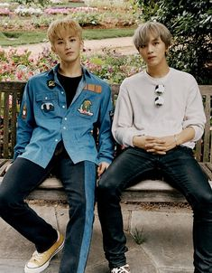 The Dallas Arboretum and Botanical Gardens are SO beautiful! We'd spend all day here if we could! Mark & Haechan in Dallas Taeyong, Nct 127, Mark Lee, Winwin, Jaehyun, K Pop, Cha Eunwoo Astro, Fandoms, Na Jaemin