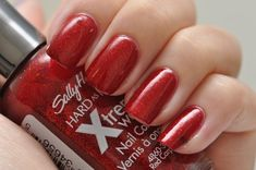 Spaz & Squee: Sally Hansen Xtreme Wear spam!