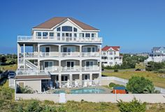 Walkin' on Sunshine- Gorgeous oceanfront home in Avon NC- Fall specials!