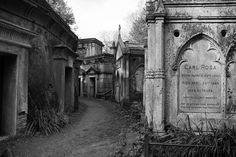 Victorian Highgate Cemetery