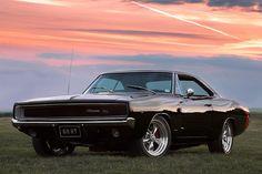 Confira fotos do Dodge Charger, um dos carros mais cobiçados por colecionadores, sendo um dos ícones da era dos muscle cars.