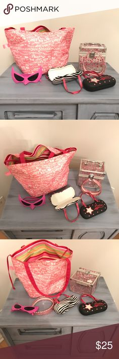 """A adborable Set of """"off we go to the beach"""". An set of 2 pairs of sunglass cases a pair of pink shade a a Lancôme Beach bag plus a makeup carrier Accessories Sunglasses"""