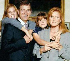 yoursweetremedy:  Duke of York and Sarah, Duchess of York, with Princess Beatrice and Princess Eugenie