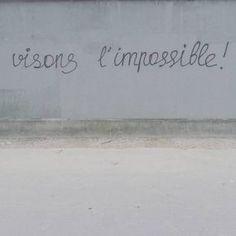 Les meilleurs graffitis du mouvement contre la Loi Travail.