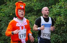 Fozzie Bear Running Costumes, Running Outfits, Cosplay Fail, I Hate You, Diy Costumes, Winter Hats, Bear, Fails, Fashion