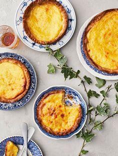 Portugalilaiset vaniljaleivokset | Juhli ja nauti, Makea leivonta | Soppa365