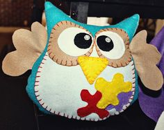 """Yooo-Hooo!  I'm a Crafty Owl!  I love to draw, paint and create!  What project could we make?  I'm so excited to be your new friend!  """"Hooo""""-Ray!"""