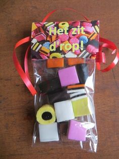 het zit d'rop! Party Gifts, Diy Gifts, Goodbye Gifts, Fun Mail, Diy Presents, Original Gifts, Retirement Gifts, Present Gift, Thank You Gifts