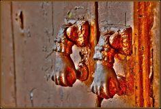 Rota, tal y como yo la veo: Las Puertas del Infierno (plaza Barroso)