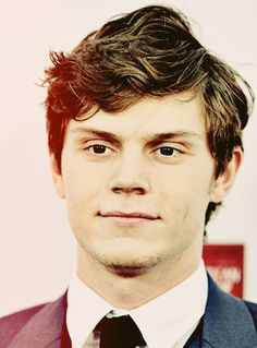 evan peters- love him, American horror story <3