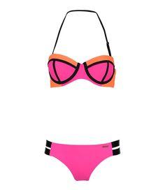 De Bikini Padded Contrast is de zomer musthave van Shiwi, welke niet mag ontbreken in je garderobe! (€39,99) #Bikini #Padded #Contrast #Shiwi #summer #musthave