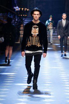 Catwalk: Fall Winter 2017-18 Men Fashion Show | Dolce & Gabbana