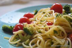 Low Carb Diets, Spaghetti, Broccoli, Ethnic Recipes, Food, Prawn Curry, Green Peas, Cooking Rice, Eten