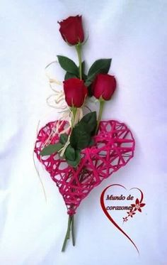 Valentine Crafts, Valentines Day, Faux Flowers, Beautiful Roses, Projects To Try, Bouquet, Creative, Hearts, Flower Arrangements