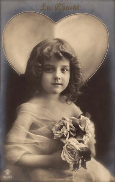 Grete Reinwald Famous Edwardian Stage Star Beautiful Portrait Romantic Fancy Heart Fantasy Original RARE 1909 B.Epoque French Photo Postcard