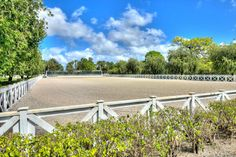 This stunning (fully irrigated) 10 acre White Fences property is a must see - equestrian's dream! #FloridaHorseFarms