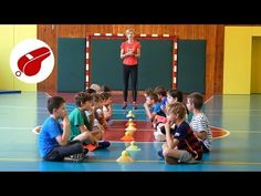 Hra s klobúčikmi a tenisovými loptičkami - YouTube Physical Activities For Kids, Group Games For Kids, Kids Party Games, Physical Education, Pe Lessons, Activity Games, Physics, Videos, Entertainment