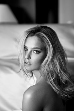 Representin' Israel. Bar Refaeli. She is so stunning.