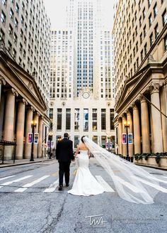 Wedding Images outside the Chicago Board of Trade