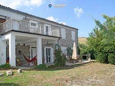 #Maison #rurale #rénovée #envente #piscine #Abruzzes